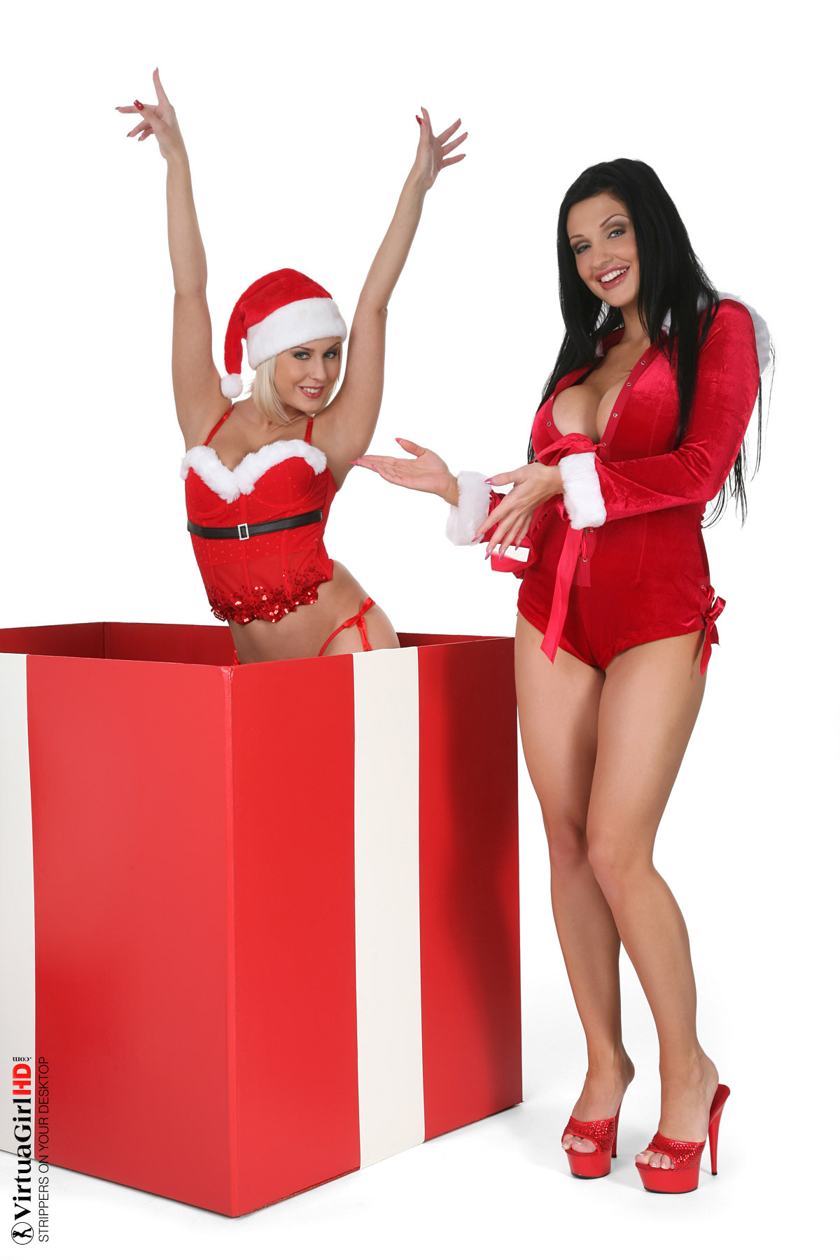 big girls stripping in strip club dance hot
