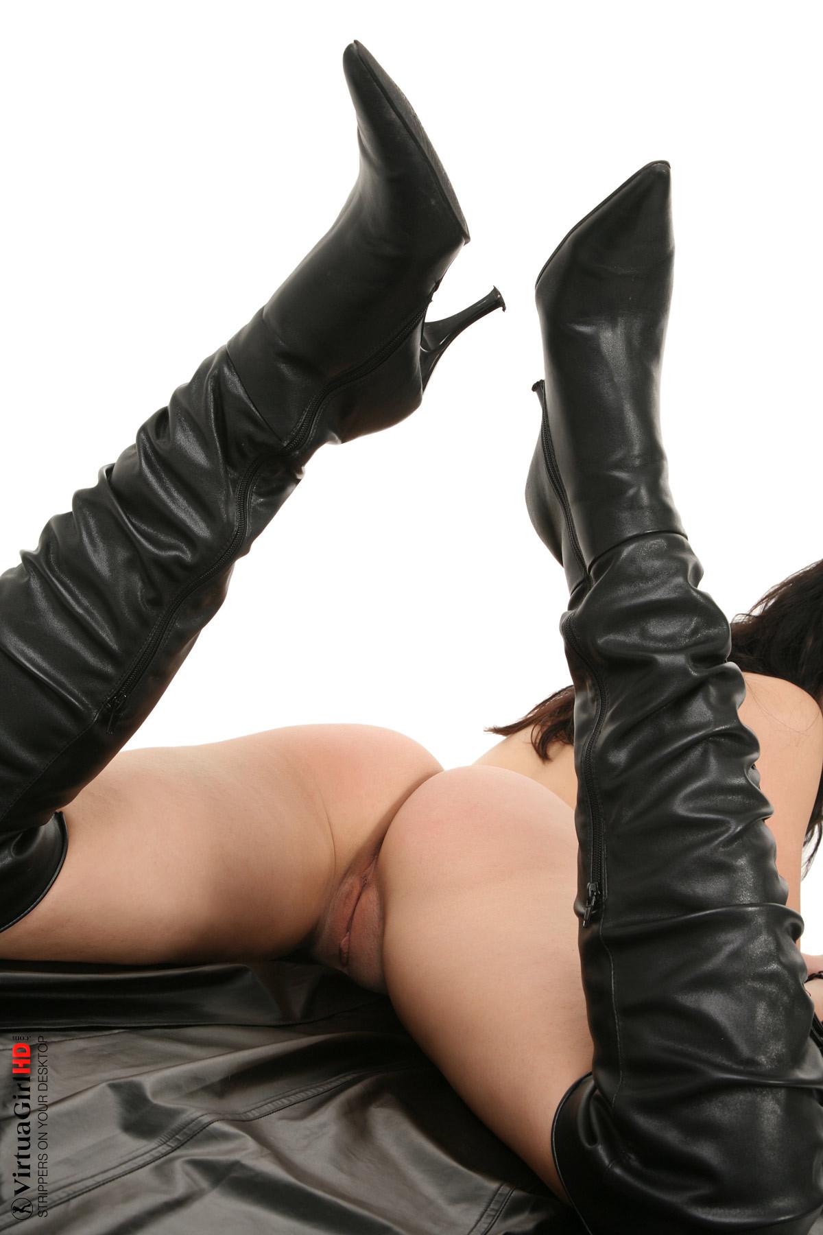 girls stripping scroller