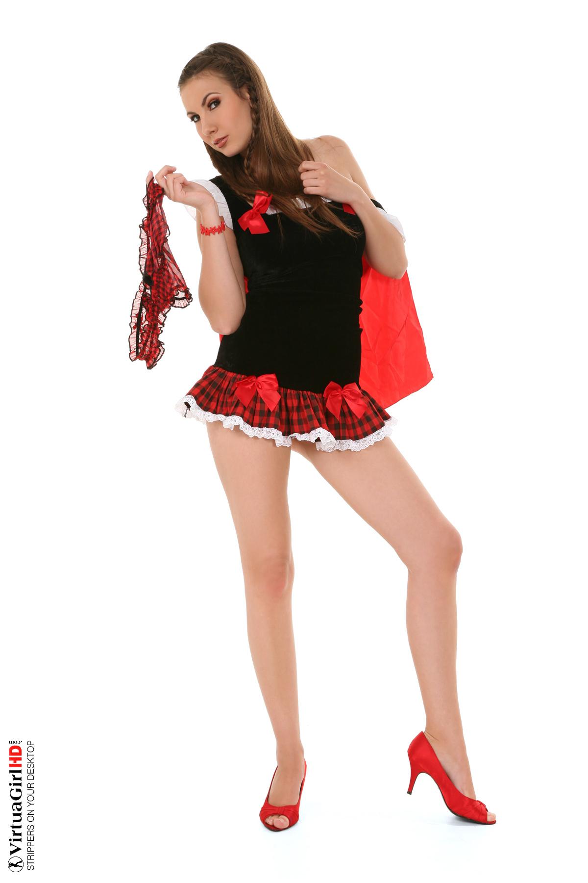 girls do stripping challendge