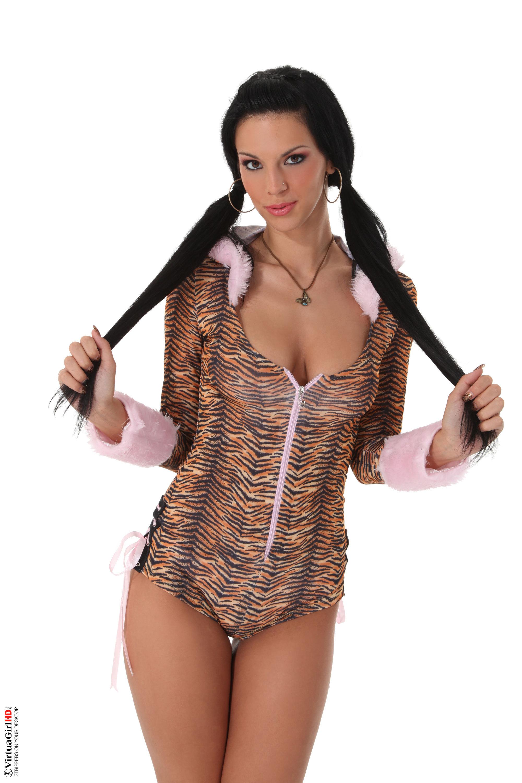 girls stripping till nude