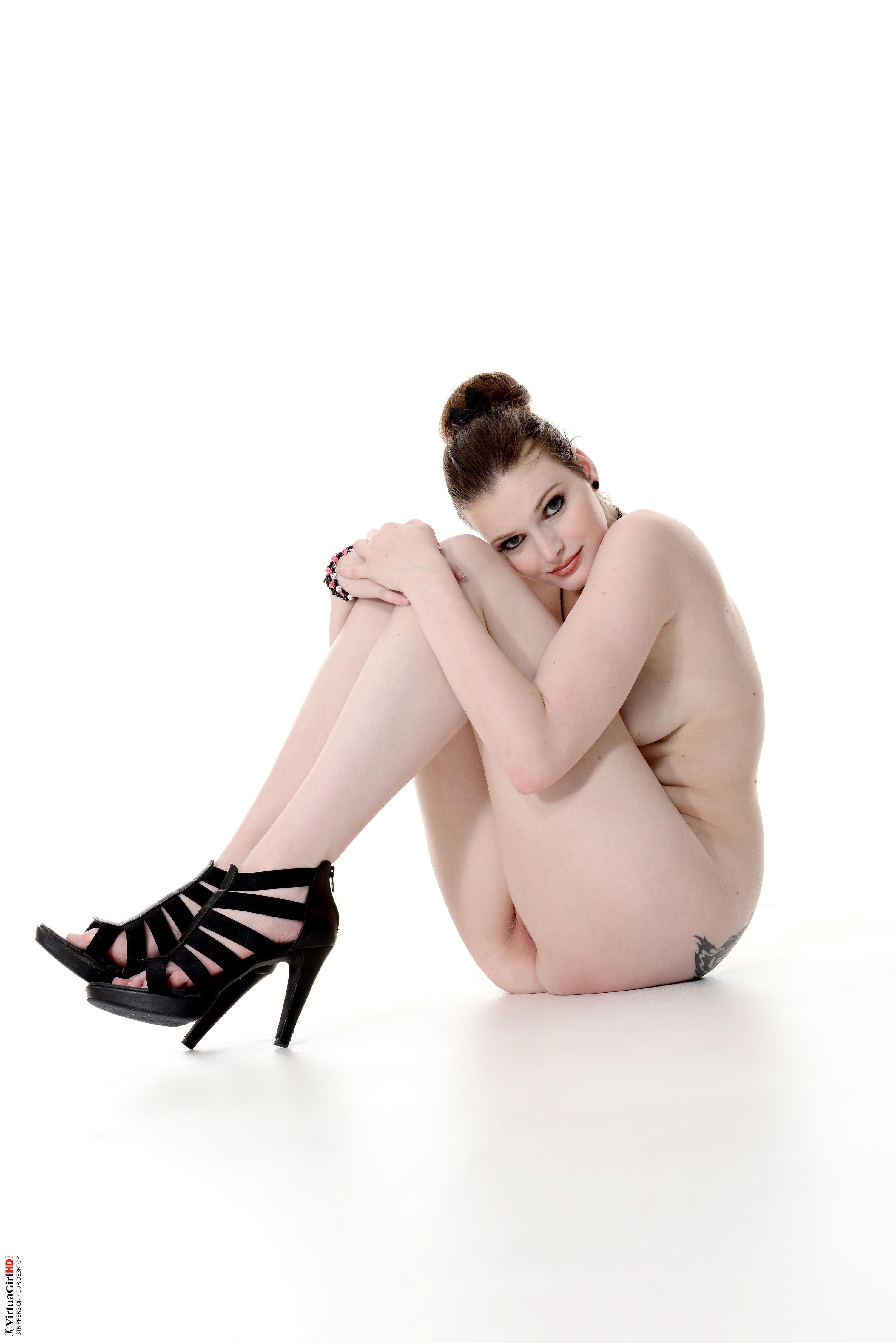 petite girls stripping