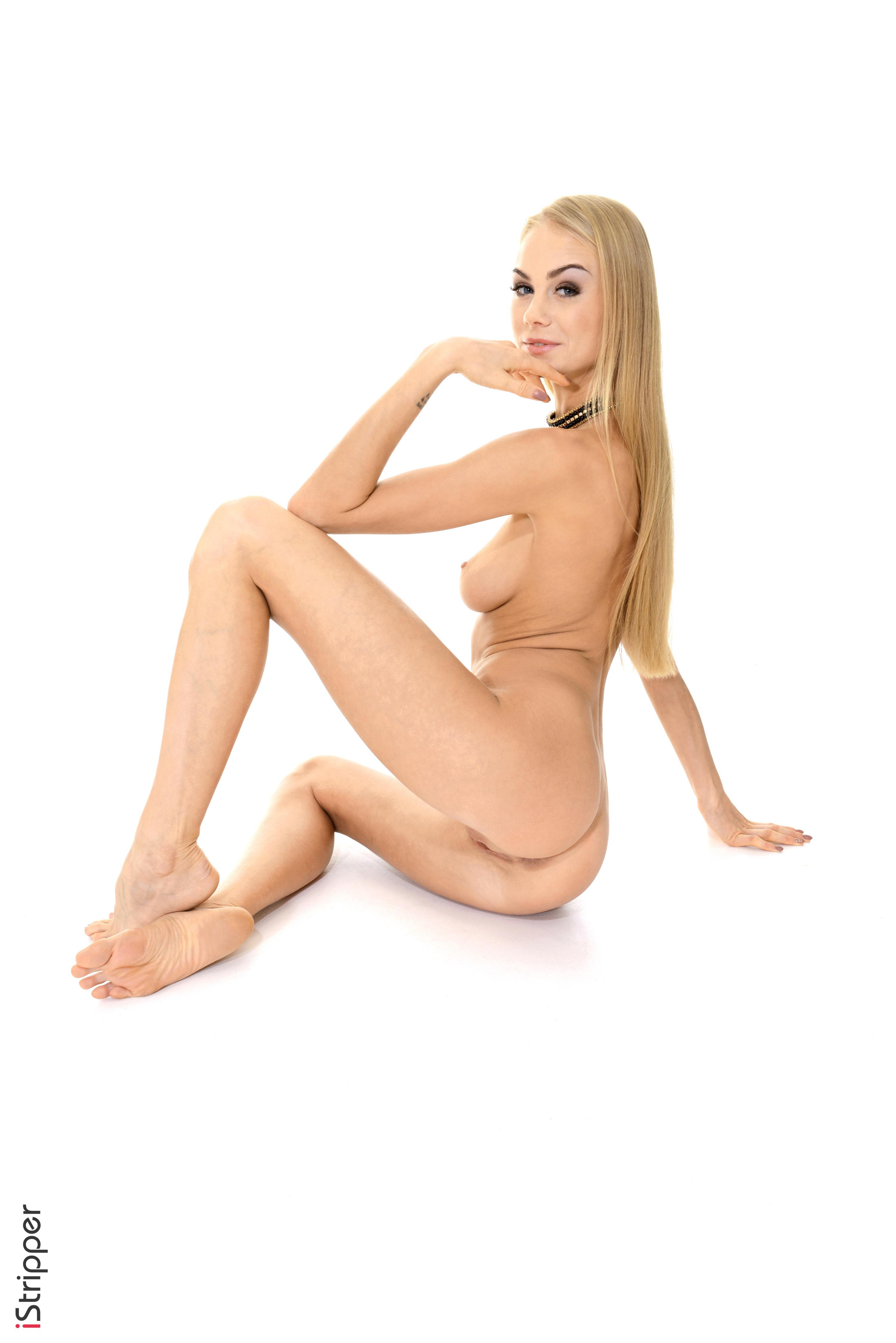 stripping girls nude