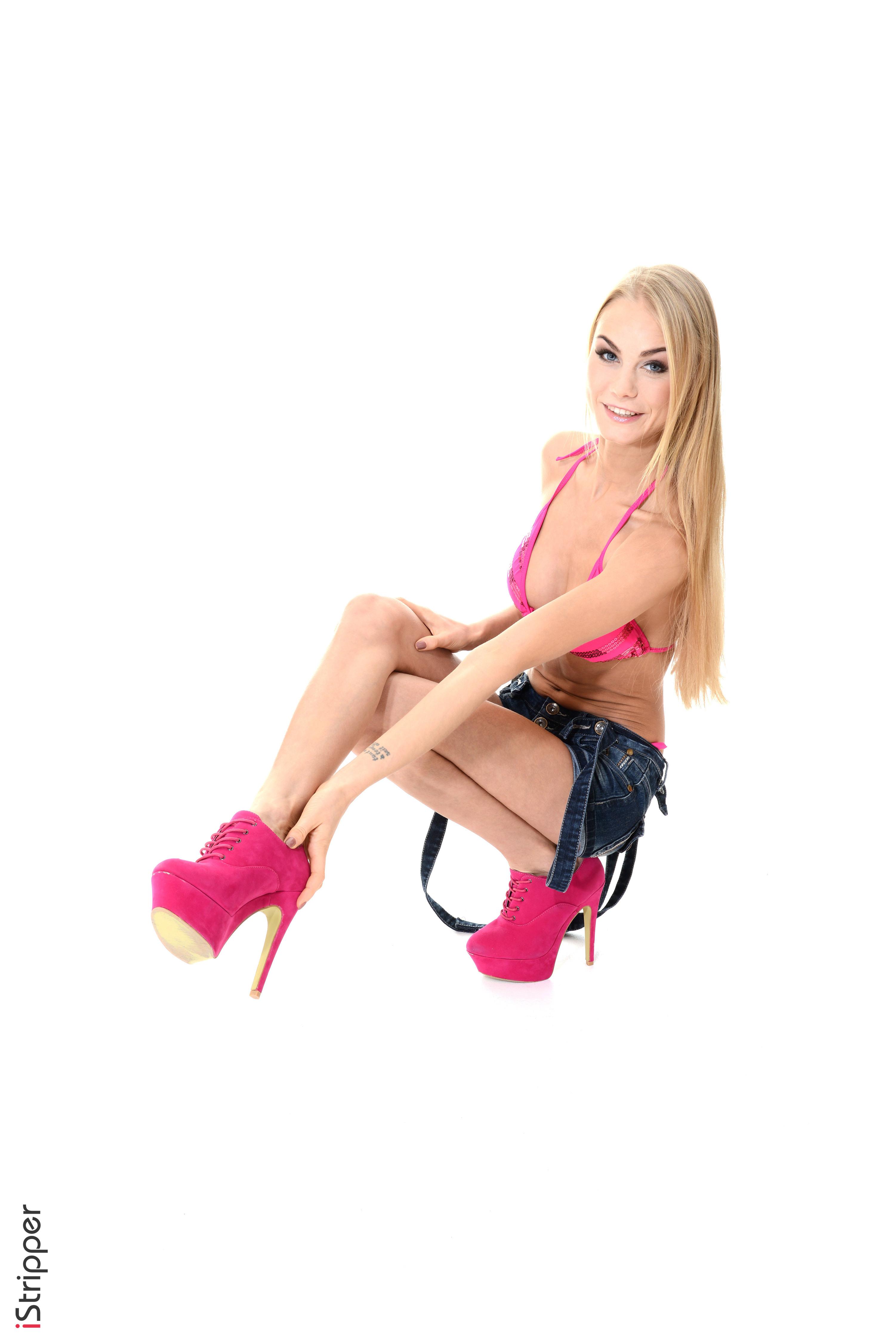 live girls stripping