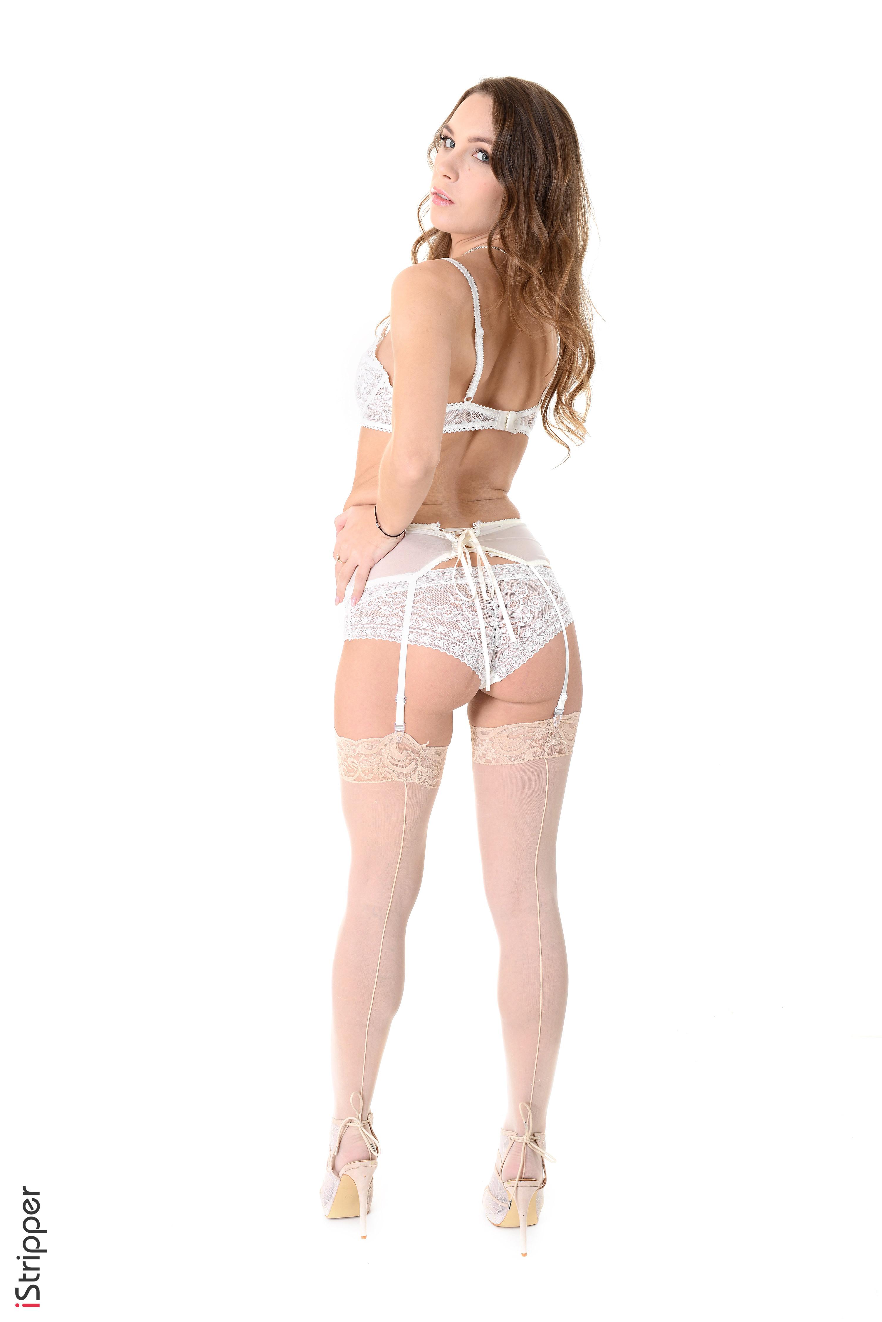 solo girls stripping